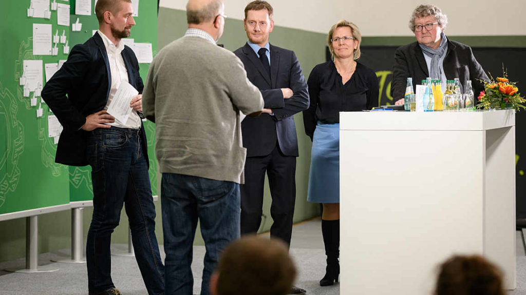 Ideenwerkstatt zum Thema Pflege in Kreischa, Matthias Reuter, Ministerpräsident Michael Kretschmer, Sozialministerin Barbara Klepsch, Prof. Werner Patzelt (v.l.n.r)